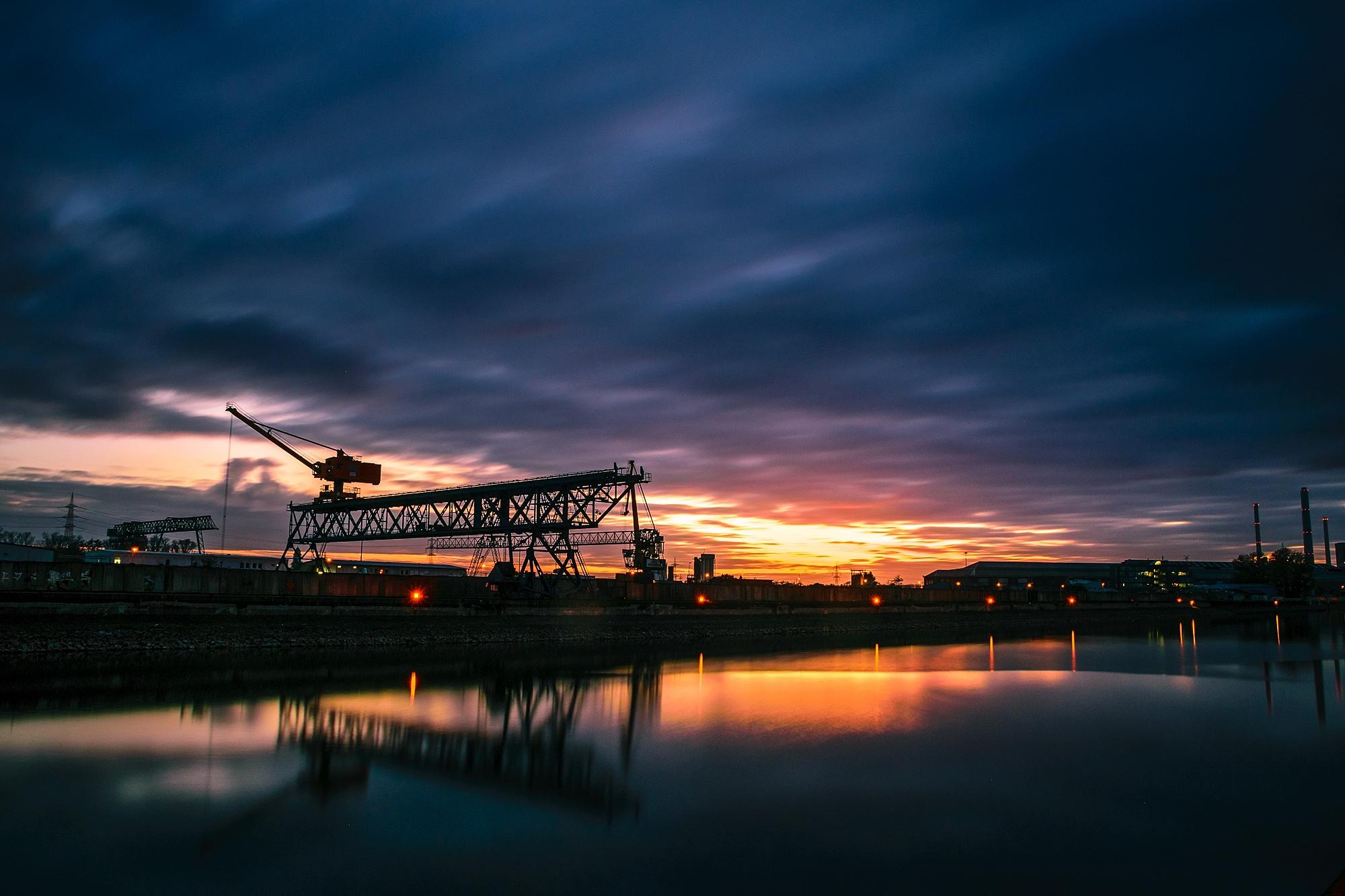 Industrie rund um den Rheinhafen