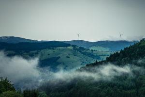 Blick auf die Berge des Hochschwarzwalds bei Schönau
