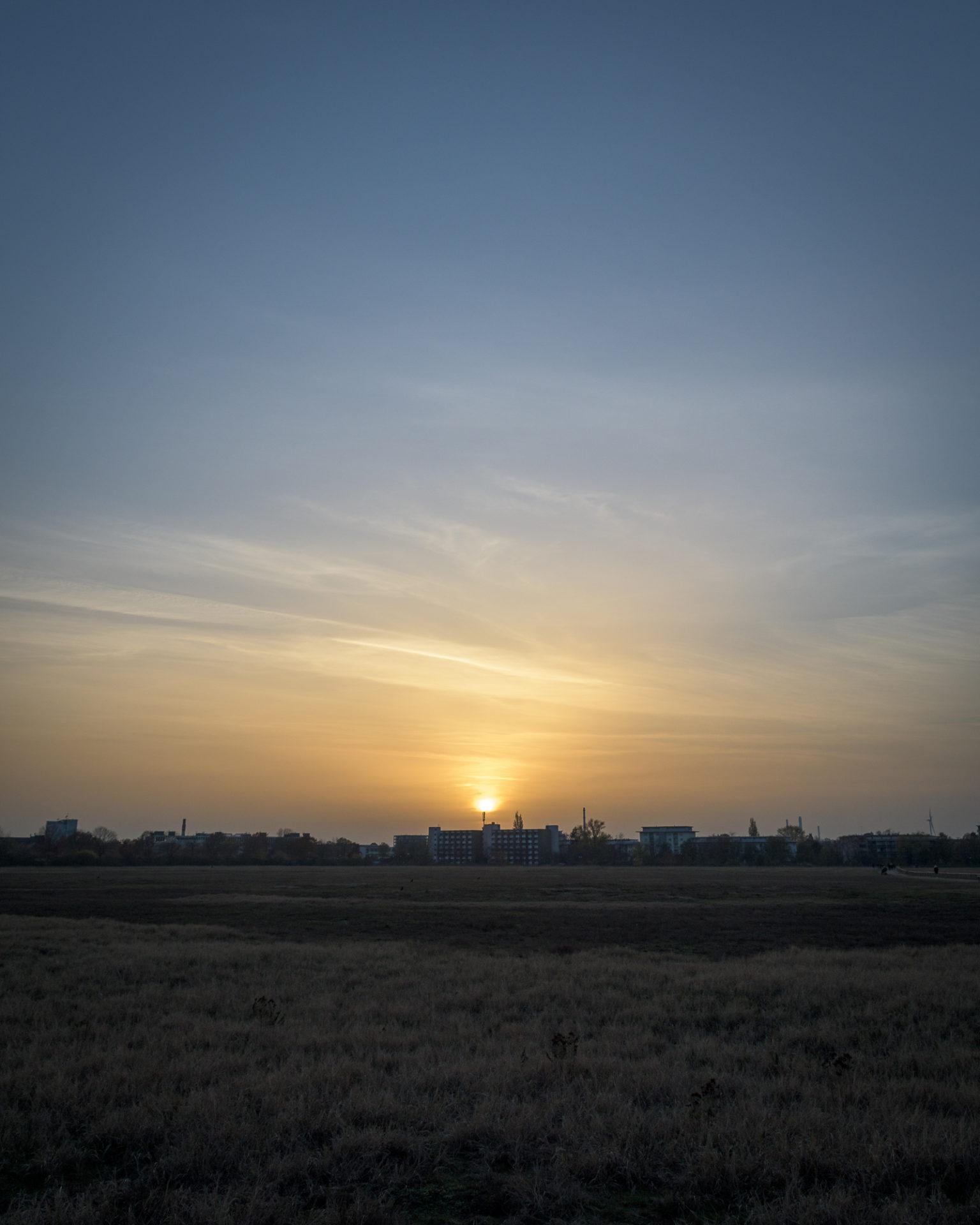 Aufnahme von Sonnenuntergang am Alten Flutplatz in Karlsruhe